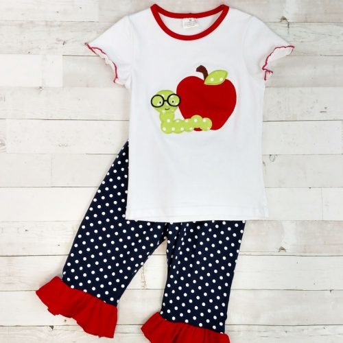 Bookworm and apple capri outfit
